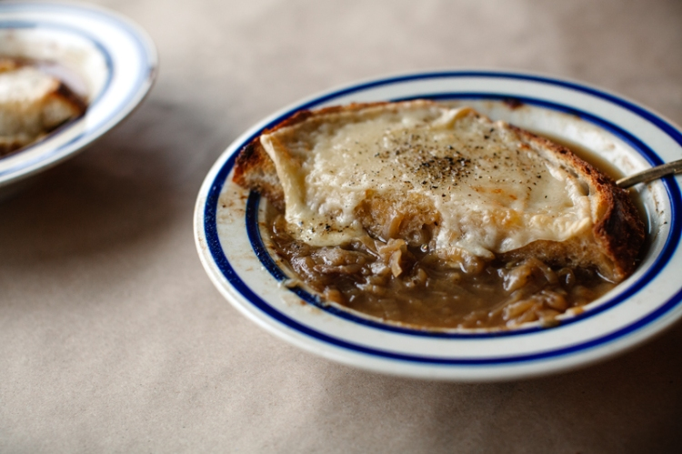 french-onion-soup-bowl