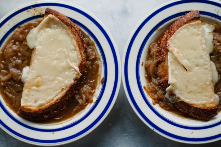 french-onion-soup-bowls-II