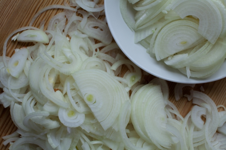 sliced-onions-24