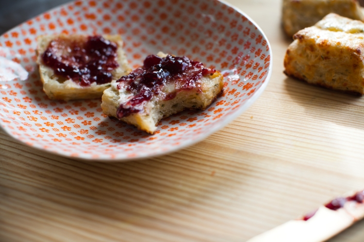 _cheesy-chive-biscuits-with-jam-lemonfirebrigade-